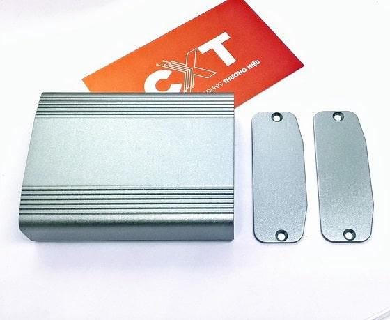 Vỏ hộp nhôm 61x22.4x80mm màu xám